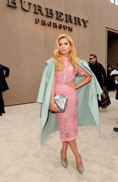 Paloma Faith wearing Burberry to the Burberry Prorsum Menswear Autumn Winter 2014 Show. Burberry Prorsum, Divas, Kms California, Look Rose, Vogue, High Fashion, Womens Fashion, Paris Fashion, Street Style