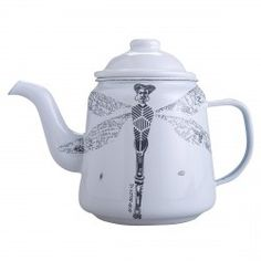 Bring a taste of Africa to your morning brew with this quirky teapot by Anna-Carien Goosen.