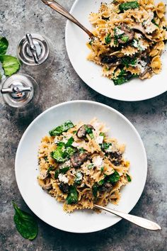 Date Night Mushroom Pasta with Goat Cheese - a simple, romantic meal involving white wine, mushrooms, spinach, pasta, and goat cheese! ♡ @pinchofyum