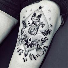 Dotwork Tattoo mit Katzenmotiv