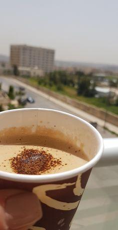 Coffee And Books, Coffee Love, Chai Tea Recipe, Coffee Shake, Snap Food, Good Morning Coffee, Food Snapchat, Cafe Food, Tea Recipes