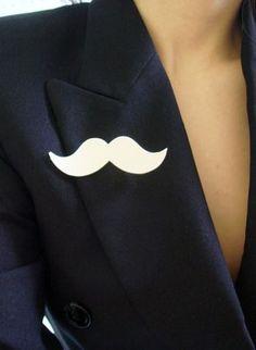 broche moustache vinyle > Yumyum pocket