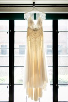 Vintage wedding dress: http://www.stylemepretty.com/new-york-weddings/new-york-city/2014/10/28/rustic-romance-in-new-york-city-at-bowery-hotel-wedding/ | Photography: Brookelyn -http://www.brookelynphotography.com/