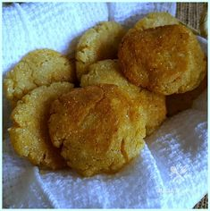 Old fashioned pan fried hot water cornbread - hoe cakes - corn pone Cornmeal Recipes, Baking Recipes, Hot Water Cornbread Recipe, Fried Cornbread, Hoe Cakes, Corn Bread, I Love Food, How To Make Cake, Breads