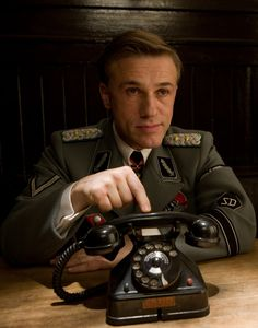 Beasty Actor, great film :D Christoph Waltz as Colonel Hans Landa in Inglorious Basterds Hans Landa, Christoph Waltz, Movies And Series, Movies And Tv Shows, Cult Movies, Action Movies, Great Films, Good Movies, Brad Pitt