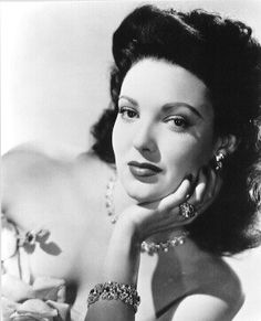 Mexican beauty Linda Darnell - www.mainlymexican... #Mexico #Mexican #calendar girl #women #beauties #photography