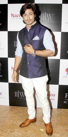 Vidyut Jamwal at the Indian International Jewellery Week 2014. #Style #Bollywood #Fashion #Handsome #IIJW
