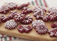 We love red velvet anything, but these adorable cookies from our friends at Wilton take the cake! Make this recipe with your kids; give them to family and friends as…