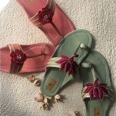 Time to go traditional with this Elegant Kolhapuri Chappals! Grab Your Pair Now on Jivaana #myjivaana #footwear #kolhapurichappal