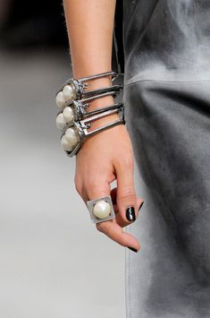 Chanel Spring 2014 - Details pearl bracelet and ring