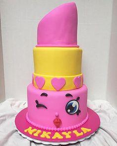 lippy lips cake - Google Search