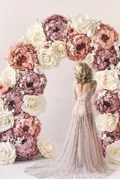 dusty rose wedding bridal arch with big paper flowers wowflowersmk Dusty rose is becoming the wedding trend in This pink tone is a perfect color. Here are some chic dusty rose wedding ideas! Big Paper Flowers, Paper Flowers Wedding, Giant Flowers, Wedding Paper, Wedding Table, Diy Wedding, Dream Wedding, Wedding Ideas, Dusty Rose Wedding