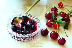 Hoemade Spoon Sweet VISSINO (Sour Cherry)/ Read the recipe in Greek English Chinese! http://www.greekculinaryart.com/Recipes/%e9%85%b8%e6%a8%b1%e6%a1%83%e9%85%b1sourcherry-vissino/