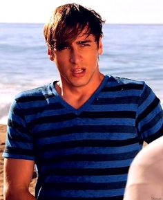 Kendall Schmidt, yes please.-Not the best Picture,but I love Him.......