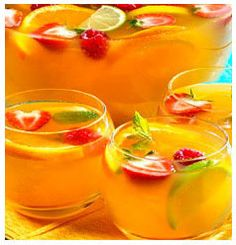 Here is a Summer Fruit Punch recipe for a cool refreshing drink that is perfect for a summer party. Summer Recipes, Holiday Recipes, Large Glass Bowl, Strawberry Slice, Fruit Punch, Christmas Drinks, Ginger Ale, Wine And Spirits, Refreshing Drinks