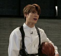 showed my best guy friend (straight) a bunch of kpop idols today. like skz members and nct members. but his favorite is jeno. i'm laughing my ass off Nct 127, Smile World, Jeno Nct, Guy Friends, Kpop, Fandom, Winwin, Taeyong, Boyfriend Material