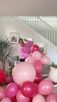 Birthday Balloon Decorations, Diy Party Decorations, Birthday Balloons, Birthday Party Themes, Diy Party Ideas, Birthday Ideas, Communion Decorations, Balloon Centerpieces, Pink Balloons