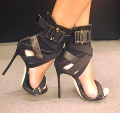 Bondage that screams sexy....Christian Grey style #shoeshighheelsoutfits