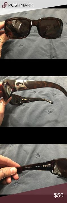 Costa Del Mar sunglasses Costa Del Mar sunglasses. These are great glasses. They have a few scratches around the frame but they are still in great condition! any questions feel free to ask Accessories Sunglasses