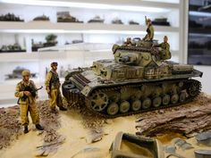 Another excellent example of Roberto's joint builds, this time the diorama features Per Olav Lund's touch on the groundwork, Pz IV E made by Mike Rinaldi and figures, from Alpineminaitures box art made by Man Jin Kim