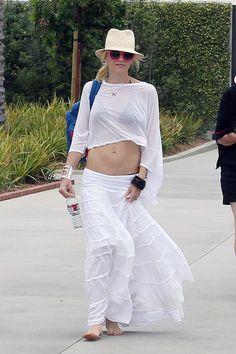 Weekend Beach Bodies: Gwen Stefani, Alessandra Ambrosio & More