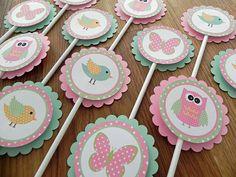 Cupcake Toppers: Rosa y verde bosque buhos de aves y mariposas - Girl Baby Shower o cumpleaños fiesta decoraciones