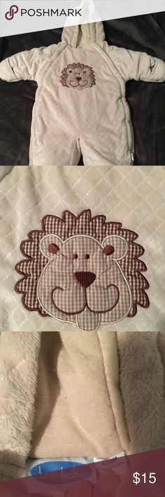 Infant snow suit, coverall, bunting Bon Bebe quilted fleece hooded infant (6-9 months) unisex snow suit. Tan in color with a lion embroidery. Has enclosed feet and built in mittens. Zips down for easy on/off. Worn once (over clothes in the snow) and then washed. Bon Bebe Jackets & Coats