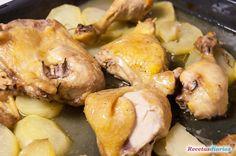 Cómo hacer Pollo al horno con patatas. Muslos, alitas, pechugas, para que te quede el pollo jugoso, sigue la receta paso a paso y en vídeo. Potatoes, Dishes, Meat, Chicken, Vegetables, Cooking, Food, Puerto Rico, Pastel