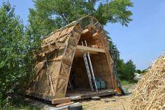 straw bale vault with hybrid construction in Vienna (Sprungbrett Aspern). more info and gallery on http://baubiologie.at/workshops/galerie-juni-2012-gewoelbe-sprungbrett-aspern/