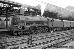 "Royal Scot class 46134 ""The Cheshire Regiment"" at Crewe - Train Room, Train Car, Steam Trains Uk, Old Trains, Vintage Trains, Steam Railway, Train Times, Train Pictures, British Rail"