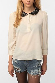 The pan collar is the trickiest of trends, but I love this one.