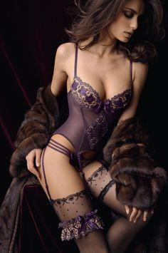 Belo modelito para uma ida ao Motel Cisne - Catrinel Menghia For Lise Charmel sexy hot lingerie girls