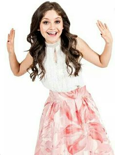 Karol Sevilla que se paré el mundo New Disney Channel Shows, Cimorelli, Maria Clara, My Princess, Favorite Tv Shows, My Girl, Skater Skirt, Videos, Lily