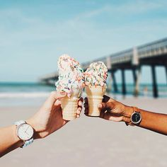 take your best friend with you and have some ice cream on the beach like @hannah_gruhn in this sweet shot | kapten-son.com