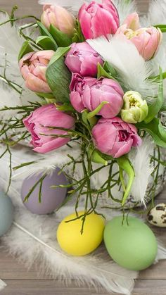 a 50 samsung wallpaper Iphone Easter Spring Wallpaper, Holiday Wallpaper, Boxing Day, Beautiful Flower Arrangements, Beautiful Flowers, Hoppy Easter, Easter Eggs, Ostern Wallpaper, Easter Backgrounds