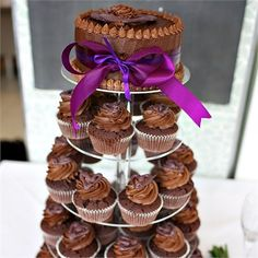 Chocolate cakes and cupcakes