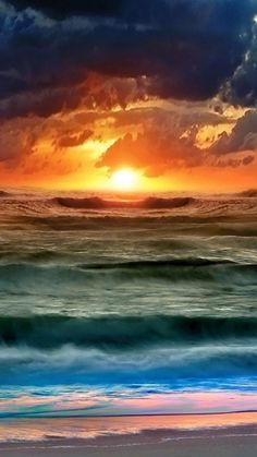 http://files.vividscreen.com/soft/d7169531c211546d6df49139cf75128c/Colorful-Sunset-And-Waves-360x640.jpg