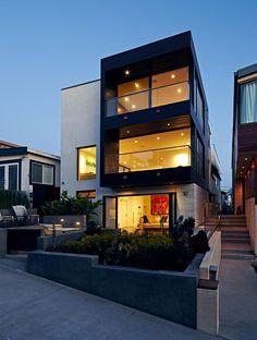 Stunning modern transformation of Manhattan Beach House by Abramson Teiger Architects