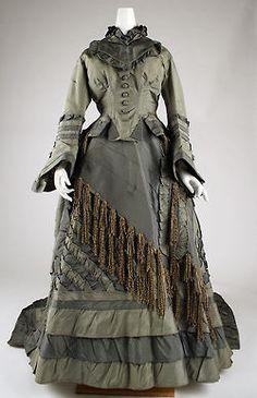 VESTIDO 1870-1875