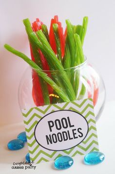 Cupcake Cutiees: Beach Party - Pool Party Food Ideas- PARTY STORE (do with carrot, celery, pepper strips) Teen Beach Party, Pool Party Kids, Pool Fun, Beach Party Ideas For Kids, Food For Pool Party, Hawaii Party Food, Teen Pool Parties, Kid Pool, Summer Pool