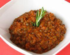 #Potée de #lentilles vertes à la #sauce tomate  La saveur un peu rustique de ce mets réconfortant ne trahit pas la facilité de sa préparation.
