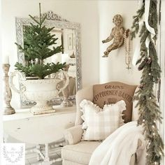 French Farmhouse Christmas Decor Inspiration - Hello Lovely French Christmas decorating ideas from an amazing house tour of country French design from The French Nest Co. French Country Christmas, French Farmhouse Decor, Farmhouse Christmas Decor, French Country Cottage, French Country Style, French Decor, French Country Decorating, White Christmas, French Country Crafts