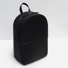 Zara - Reptile Effect Embossed Backpack Fashion Bags, Fashion Backpack, Mens Fashion, Messenger Bag Men, Black Leather Backpack, Twist Headband, Laptop Backpack, Backpack Bags, Cool Things To Buy