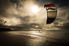 Freeride kitesurfing wallpaper: Sweet sunset session in the waves Surfing Uk, Get Shot, Water Photography, Surf Art, Big Waves, Cool Pictures, Things To Come, Sunset, Shots