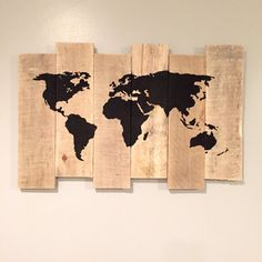 Pallet Art - World Map Painting on Rustic Staggered Wood - Recycled Wood - Pallet Wall Ornament - Globe Wood World Map, World Map Art, Yen Yang, World Map Painting, Decoration Palette, Diy Wall Art, Wall Decor, Wall Ornaments, Coffee Shop Design