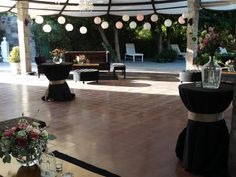 zona de cóctel lounge negros Lounge, Table Decorations, Furniture, Home Decor, Mariage, Friday, Airport Lounge, Lounge Music, Interior Design