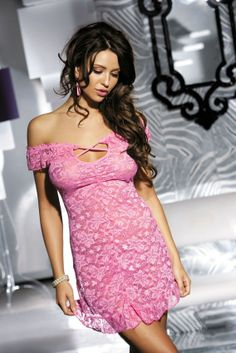 Babydoll di pizzo elasticizzato con spalle nude, orlo volant, perizoma coordinato. http://www.geisha-lingerie.com/babydoll-e-chemise/bc-1028-babydoll-lingerie