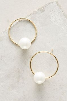 Delicate Pearl Hoop Earrings. Available here: http://rstyle.me/n/cffdfmbcukx