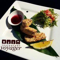 Семга в кунжуте с ягодным соусом #времяобеда #рыбка #семга #кунжут #ягодныйсоус #ресторан #европейскаякухня #voyager #вкусноиполезно #фотоеды #еда #харьков #restaurant #fish #salmon #sesames #berries #europeancuisine #delish #hotrlovis #delicious  #foodpic #whatfood #foodphoto_kh #foodphotography #kharkiv
