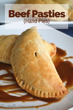 Beef Pasties (Hand Pies) A simple recipe made from meat and vegetables baked inside pastry dough. Beef pasties can be served for either lunch or dinner and they taste best when dipped in brown gravy. Hand Pies, Meat Recipes, Cooking Recipes, Recipies, Curry Recipes, Drink Recipes, Healthy Recipes, Beef Pies, Fried Pies